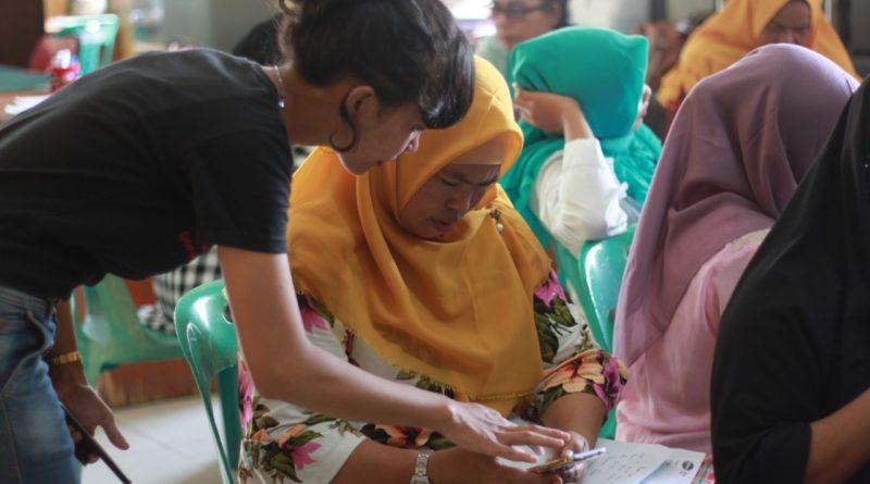 Meningkatkan Pendapatan Melalui Bisnis Online Ibu-Ibu Pesisir Siap Go Digital