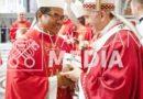 Uskup Agung Medan Terima Pallium Dari Paus Fransiskus